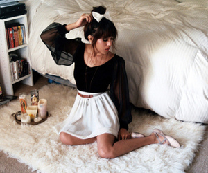 beautiful, bed, and blouse image