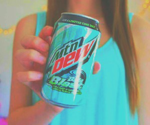 mountain dew, drink, and tumblr girl image