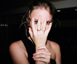 Taylor Swift, grunge, and black image