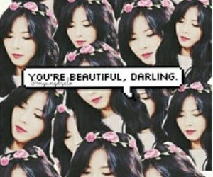 flower crown, 4minute, and hyuna image