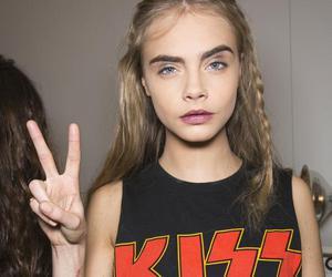 model, cara delevingne, and kiss image