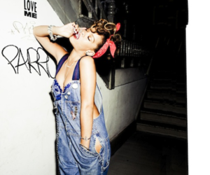 rihanna and talk that talk image