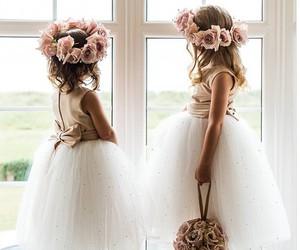 girl, wedding, and flowers image