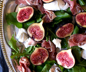 figs, rocket, and salad image