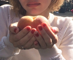 peach, pale, and indie image