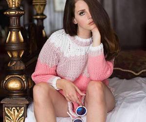 lana, pretty, and linda image