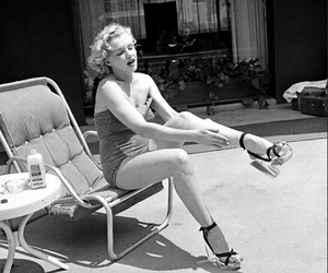 Marilyn Monroe, black and white, and retro image