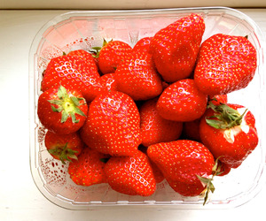 food, strawberries, and summer image