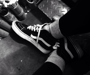 b&w, classic, and shoes image