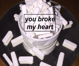 sad, grunge, and pills image