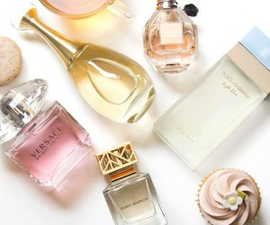 flowerbomb, Versace, and fragrance image