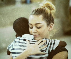 miley cyrus, miley, and hug image