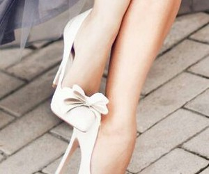heels and white heels image