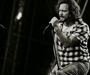 pearl jam and love image