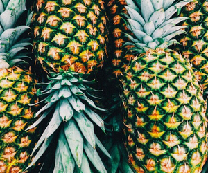 food, FRUiTS, and pineapples image