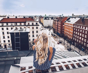 girl, city, and hair image