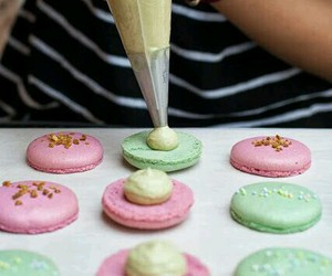 macaroons, Cookies, and frosting image