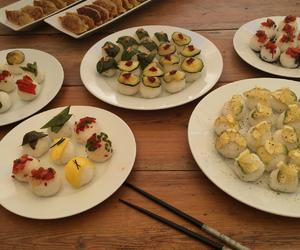japones, sushi, and gyoza image
