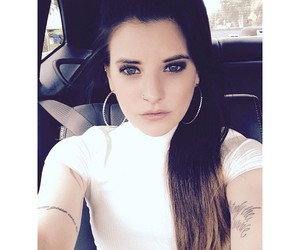 juliet simms, pretty, and singer image