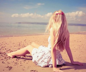 beach, blondie, and breeze image