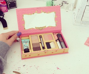 make up and benefit image