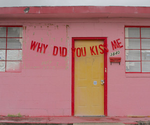 pink, kiss, and aesthetic image