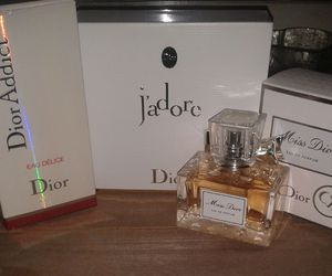 miss dior and parfume image