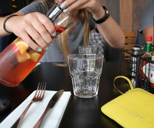 drink and iced tea image