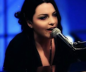amy lee, evanescence, and piano image