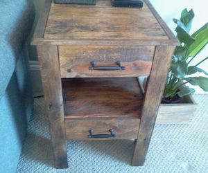 pallets side table