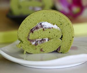 cake, red bean, and Matcha image