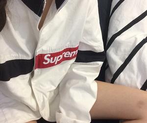 fashion, supreme, and aesthetic image