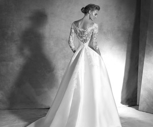 wedding dress and wedding gown image