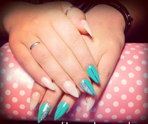 almond, nails, and summer nails image