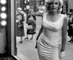 fashion, look, and marilynmonroe image