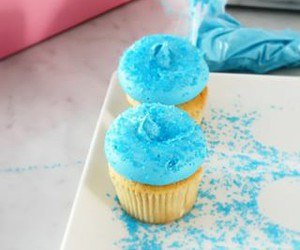 blue, icing, and cupcakes image