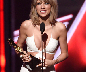 Taylor Swift and billboard music awards image