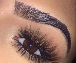 Eyebrows On Fleek | via Tumblr