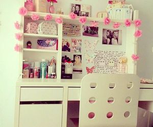 room, pink, and flowers image