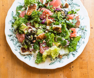 grapefruit, salad, and halloumi image