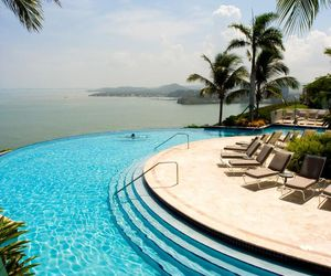 pool, holiday, and paradise image