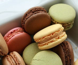 food, yummy, and ‎macarons image