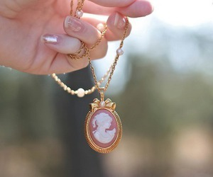 necklace, vintage, and cameo image