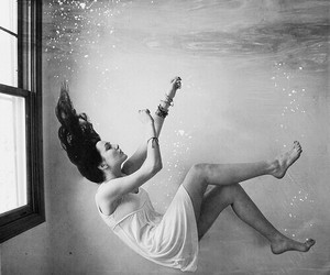 black and white, grunge, and under water image