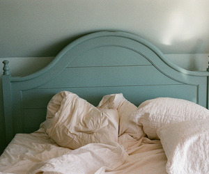 bed, vintage, and blue image