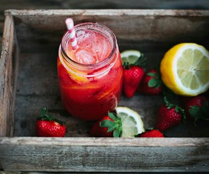 drink, strawberry, and fruit image