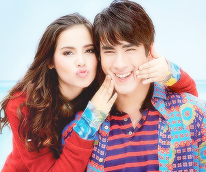 When did yaya and nadech start dating