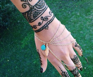 hand, art, and henna image