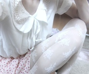 kinderwhore, outfit, and pale image