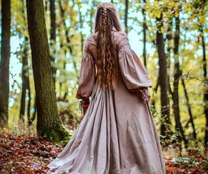 medieval, medieval dress, and medieval girl image